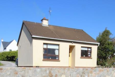 Spiddal Cottage - House