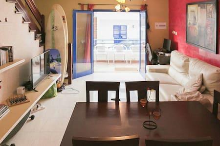Modern house in Famara beach - Caleta de Famara - House
