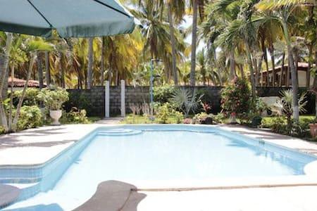 Beach House in Cangrejera Beach, La Libertad - La Libertad