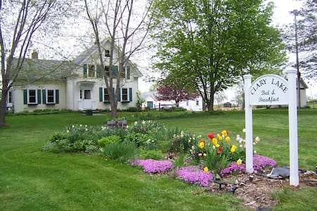 Clary Lake Bed and Breakfast - Jefferson - Bed & Breakfast