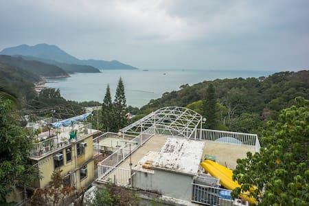 Seaview Studio with balcony/rooftop