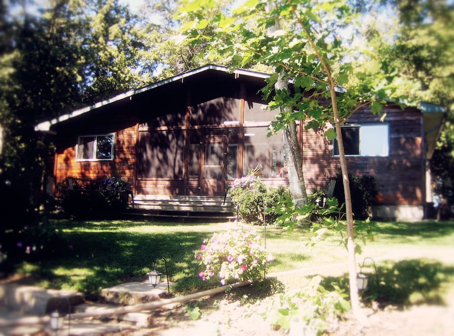 Cottage on Lake Simcoe, Ontario