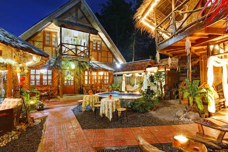 Backpackers' Place: Shared AC Room, Rural Panglao - Bed & Breakfast