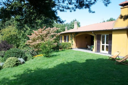 Family-Owned Country Villa - Comabbio