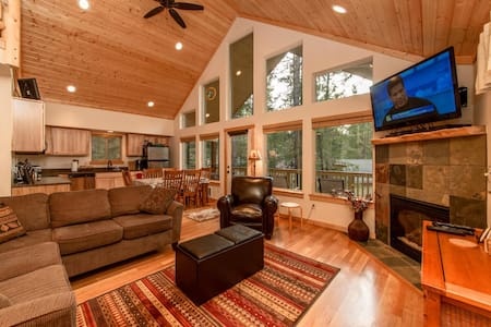 New Cabin in Evergreen Valley! 3BR/Loft + Bonus | WiFi - Ronald