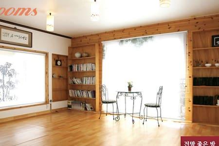 Peaceful mount cabin, Juju Sanbang at Wonju - Socho-myeon, Wonju-si