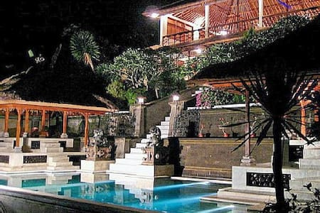 Stunning Private Pool Villa - Huvila