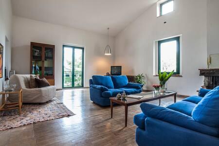 Eugenio's  House - Villa