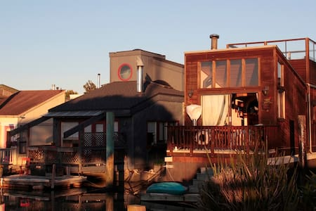 Charming Mini Resort on the Water - Sausalito - Andere