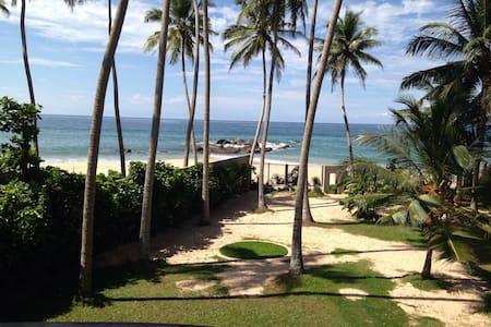 Beach front Villa 918 Randombe - Villa