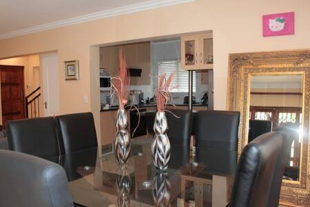 A Stylish Family Home in Craigavon- Fourways - Sandton