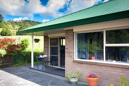 A rural retreat close to Auckland - Bed & Breakfast