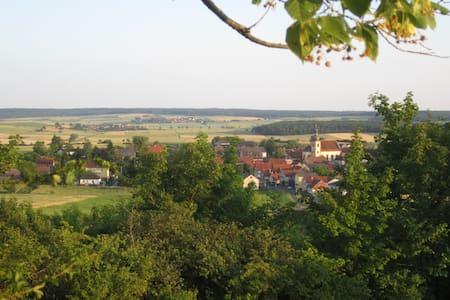 Urlaub auf dem Land in Unterfranken - Stadtlauringen - Oda + Kahvaltı