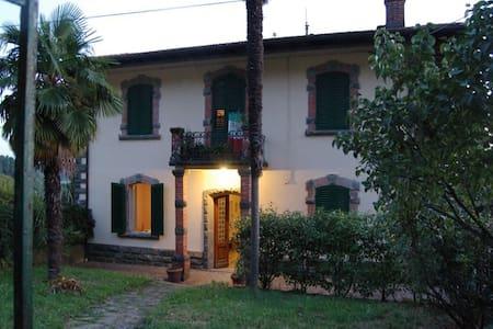 Toscana-Villa in Vellano - Vellano - Villa