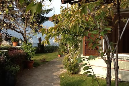 Vista favolosa da casa indipendente - Blevio - Wohnung