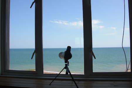 Beautiful seafront apartment - Pis