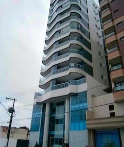 Apartamento novo e bem localizado em Guarapari - Guarapari - Apartment