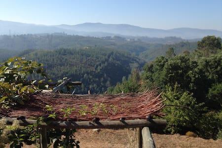 Casa do Sul, Eco house with a view - Meda de Mouros - House
