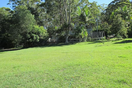 Holiday Country Cottage -Bush Setting on Acres - Dom