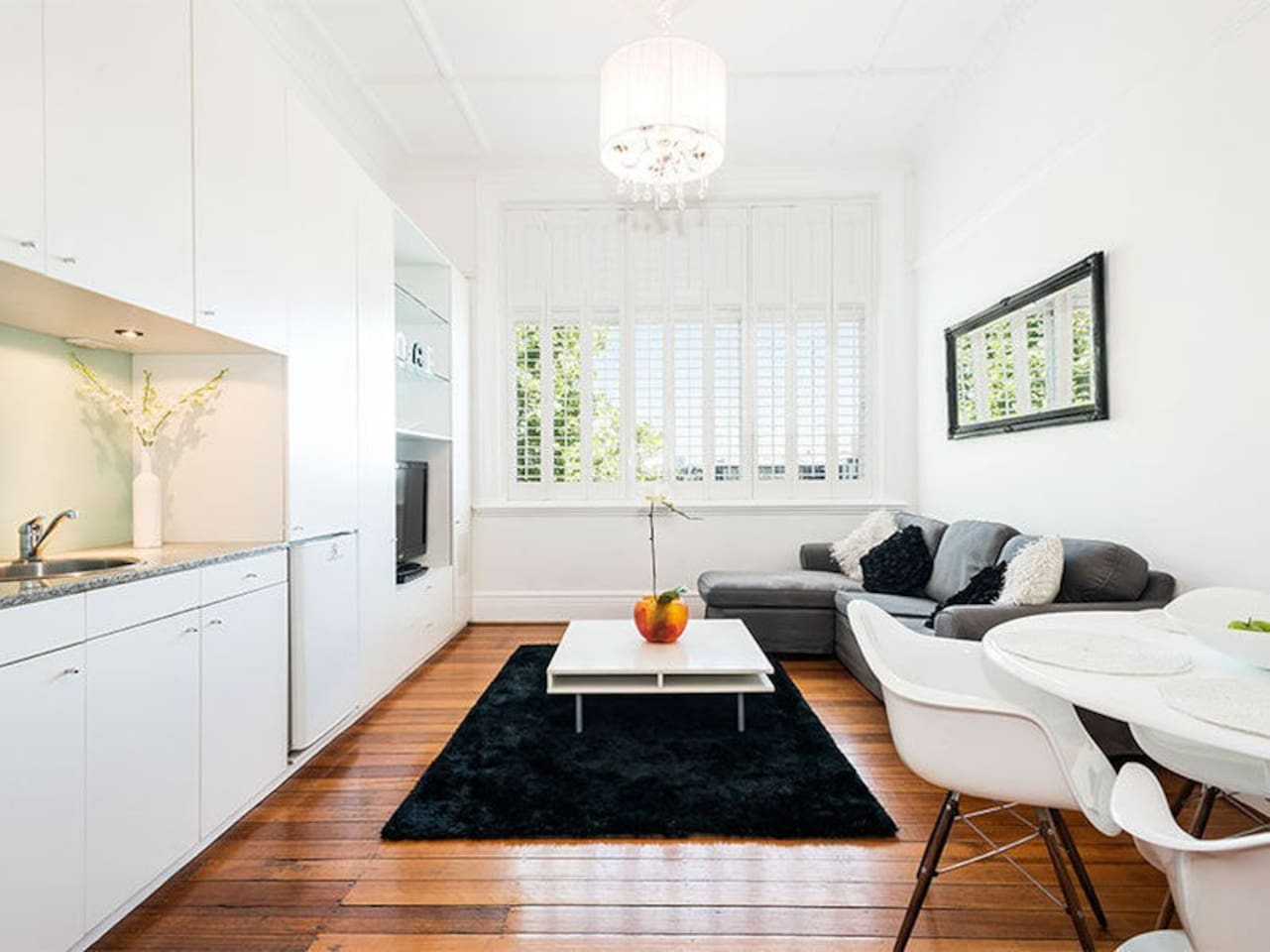 Sitting room flooded with natural light. Looking onto Fitzroy street.