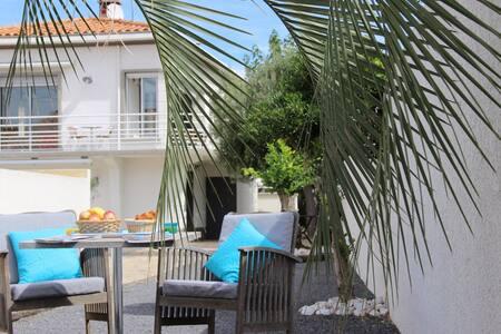 Villa à 100 mètres de la plage