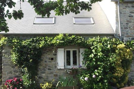 AUTHENTICITE - Le Lorey - Haus