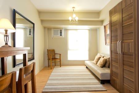 cozy studio unit in Alabang - Condominium