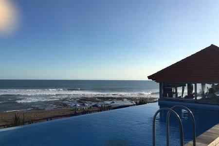 Canggu Beachfront Villa - Mengwi