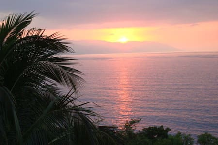 Fab Ocean View Mins to beach & town - Bed & Breakfast
