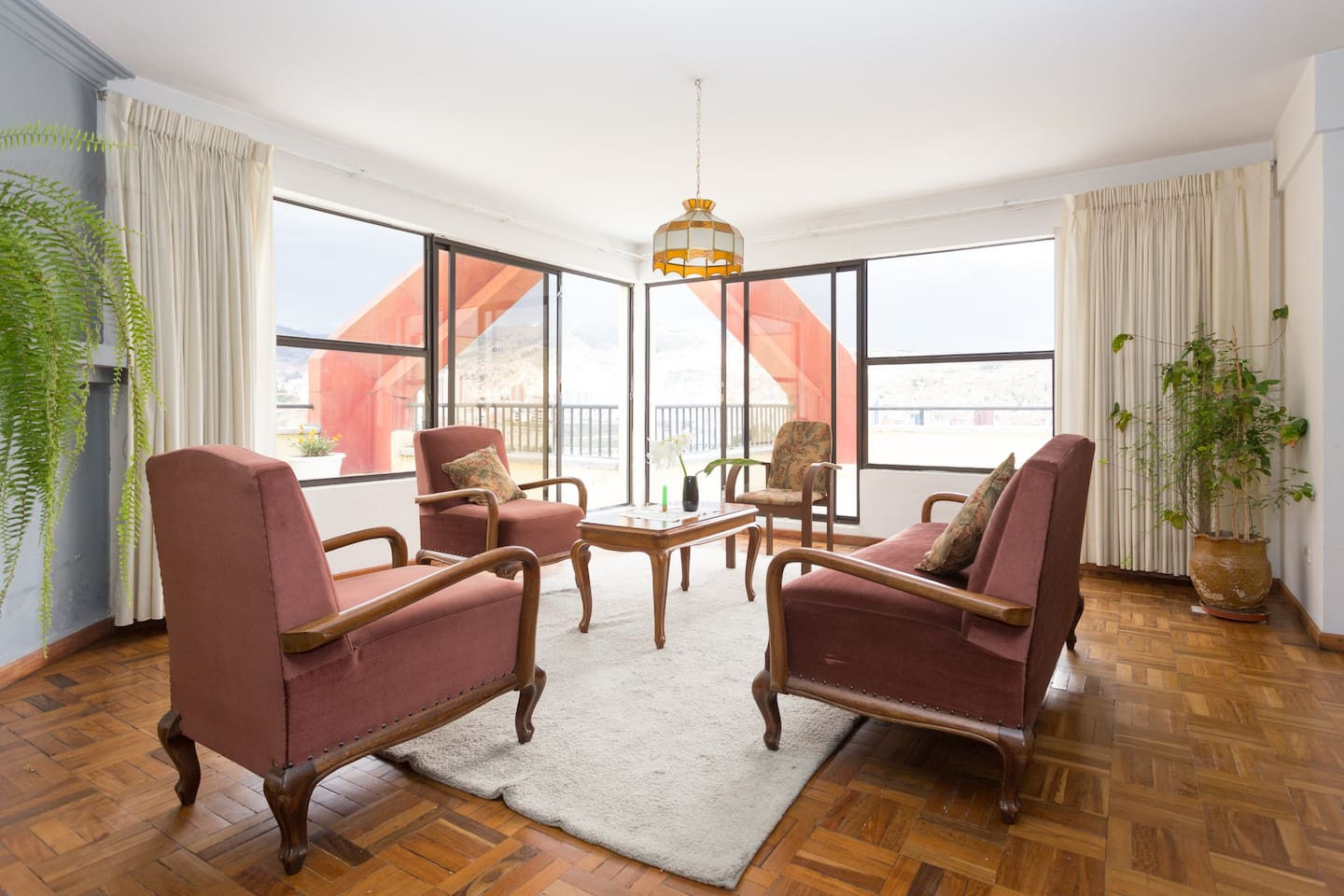 Spacious living room with access to the terrace