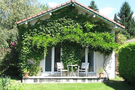 STUDIO tout confort dans Pyrénées - Haus