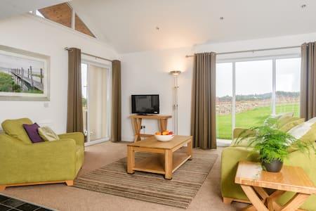 Luxury 2 Bed House near St Andrews - Denhead - Casa