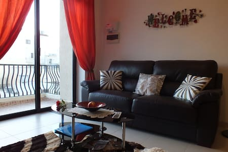 New on market 3 bedroom apartment - Byt