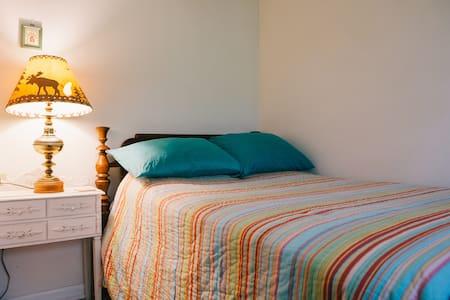 Living the Dream Retreat Cozy Room - Frisco - Bed & Breakfast