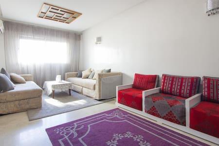 Bel appartement 56 m2 plein centre - Leilighet