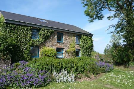 Old Farmhouse, Little Loveston - Casa