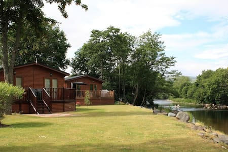 Beautiful two bedroomed lodge - Casa de campo