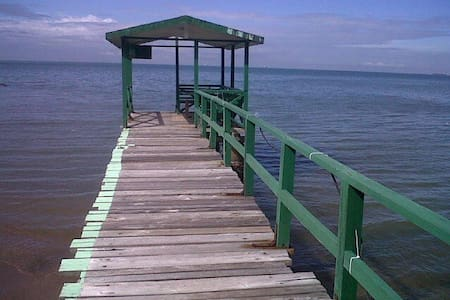 3br Apt with own pier and spectacular ocean views - West Shore