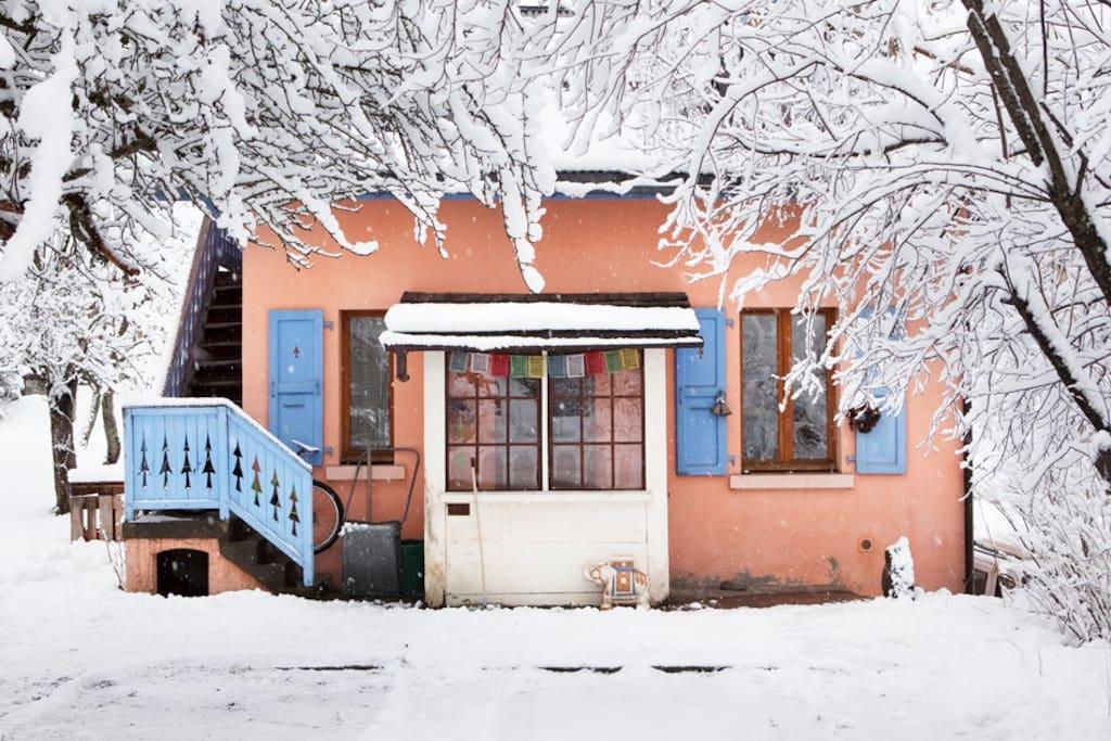 Chalet Haute Boheme. Winter road view.