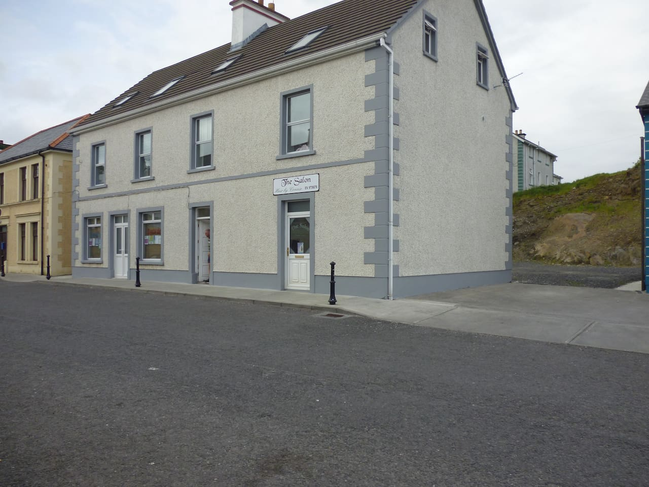 Front View, Main St, Carrick, County Donegal