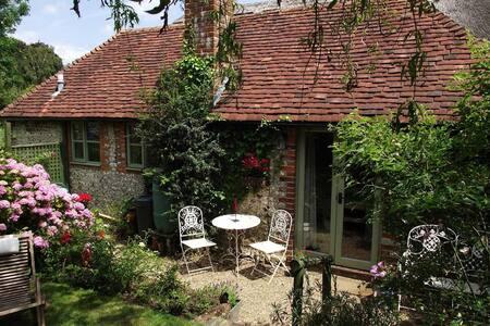 Elm Cottage, Goodwood Studio - West Sussex - Overig