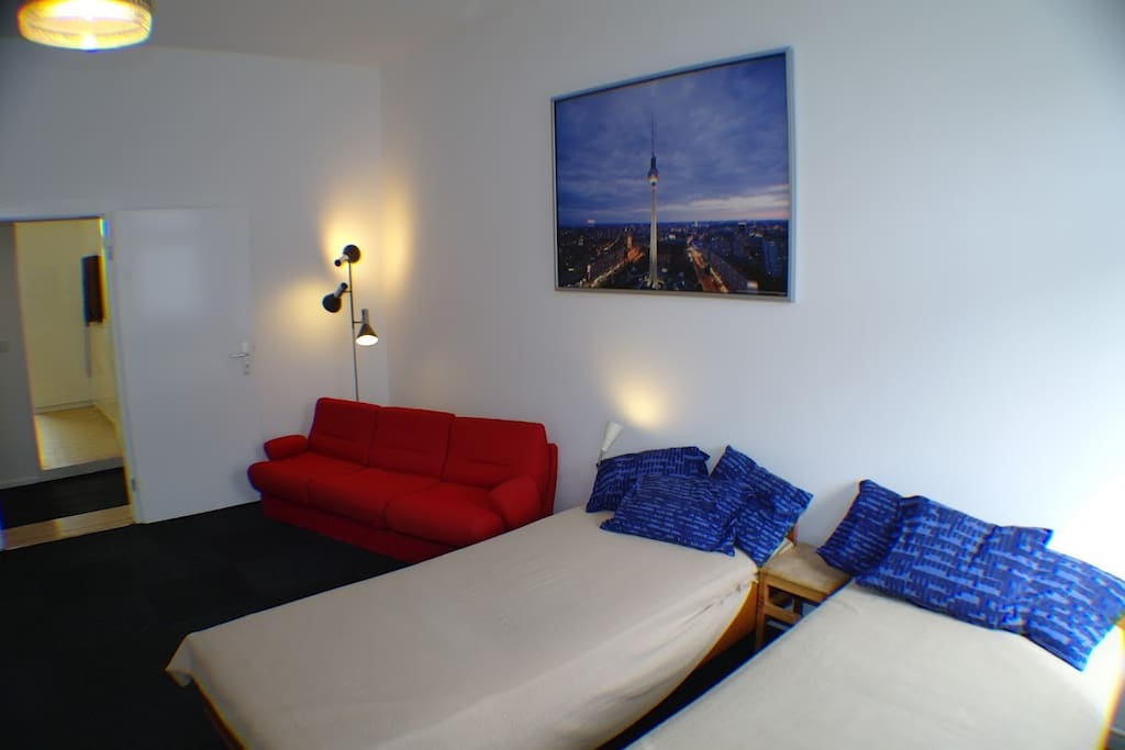 Berlin Mitte, cool place for 5, A32