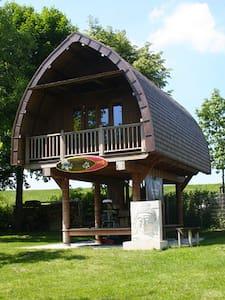 Balinesisches Traumhaus Vollholz - Hügelsheim - Casa na árvore