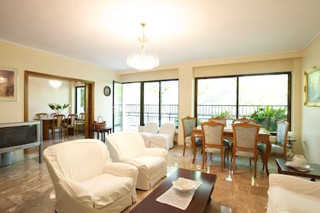 145m2 apartment close to the sea - Wohnung