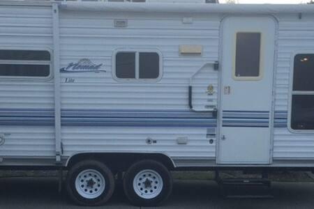 2003 Camp Trailer - Lakókocsi/lakóautó