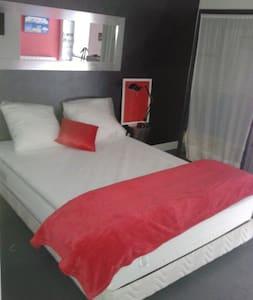Chambre 2 personnes en Bourgogne R - Mâcon - Bed & Breakfast