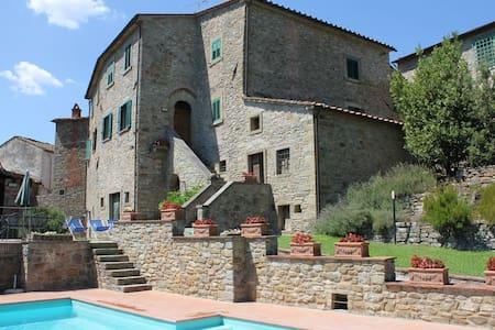 Nightingale, Tuscany Family Villa