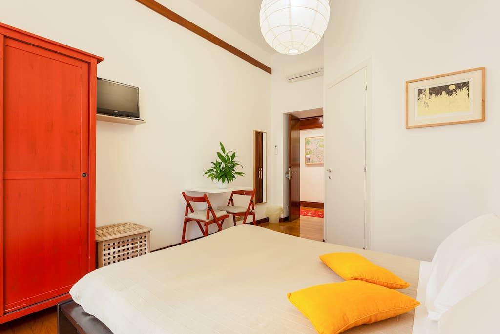 COSY BEDROOM ST.JOHN COLOSSEUM ROME