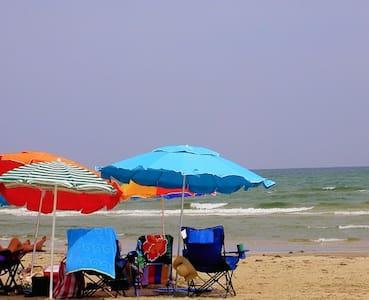 Green House*Beach*Pool*Pets R Free! - Apartamento