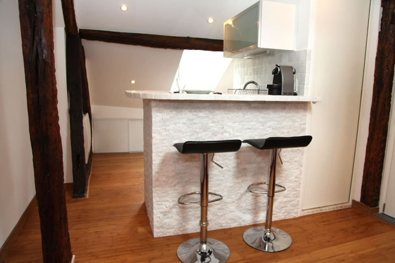 Salon avec télé, lecteur Blue-ray et WIFI